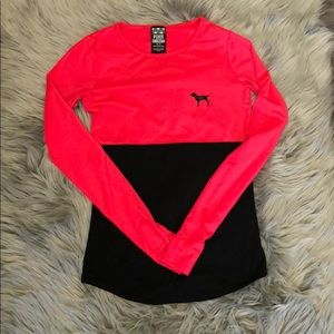 Victoria Secret PINK fitted top.